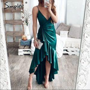 🎉HP 🆕 Emerald Green Ruffle Dress ✨